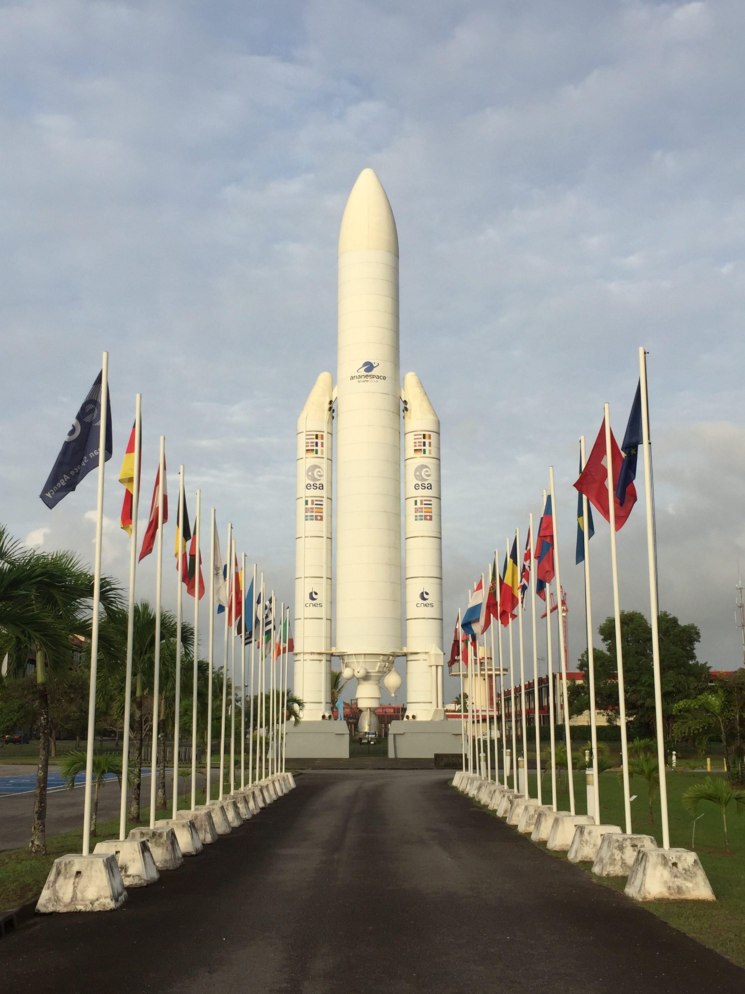 DESTINATION GUYANE – Maxetlisa au centre spatial deKourou
